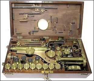 R. & J. Beck, 31 Cornhill, London, #6251. The Large Best Portable Binocular Microscope, c.1872