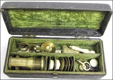 Wilson screw barrel microscope signed: Culpeper Fecit, c. 1720