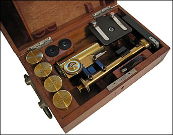 E. Leitz, New York. Serial # 53059. Leitz Travelling Microscope c. 1899