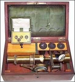 E. Hartnack, sucr. G. Oberhaeuser, Place Dauphene 21, Paris. #4684. Small drum microscope c. 1863x