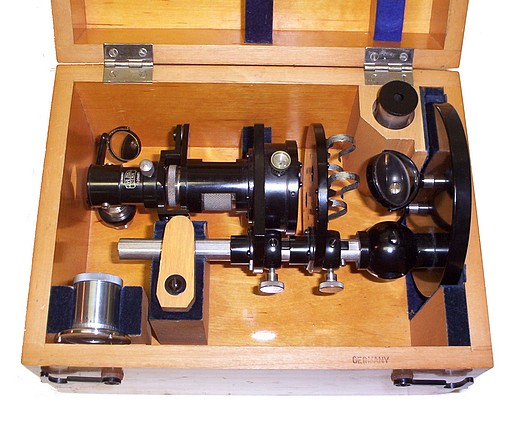 Carl Zeiss, Jena Nr. 39881. Comparison Spectroscope in case