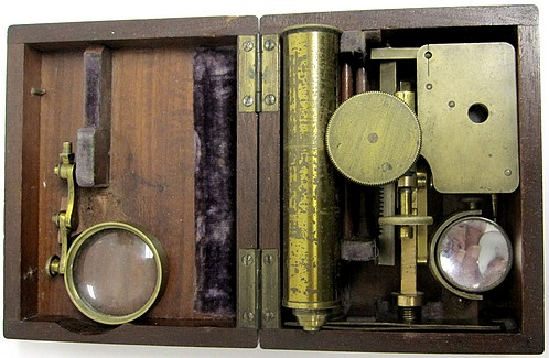 Brunner à Paris, 34 Rue des Bernardins. Gruby Type Pocket Microscope, c. 1844. Pack in its case.