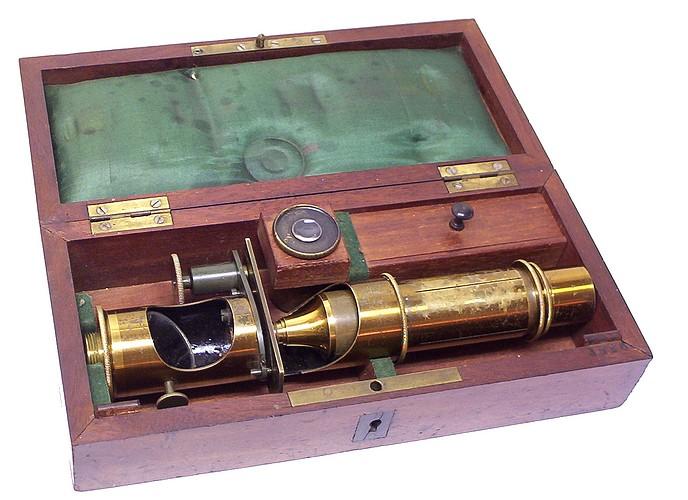E. Hartnack sucr. de G. Oberhaeuser Place Dauphine 21, Paris, #3886. Case-mounted drum microscope, c. 1861