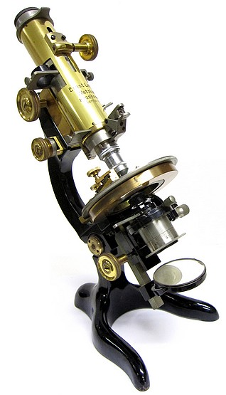 E. Leitz Wetzlar No. 221090. The CM Model Petrological Microscope. c. 1923