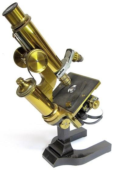 E. Leitz, Wetzlar, No. 7521. Microscope Stand I, c. 1885