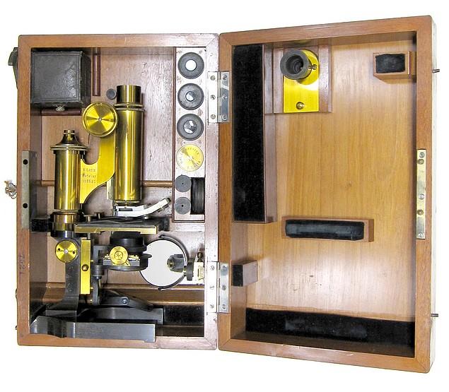 E. Leitz, Wetzlar, No. 7521. Microscope Stand 1, c. 1885. In storage case