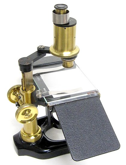 E. Leitz, Wetzlar. Large preparation (dissecting) microscope with erecting prism.  Model W