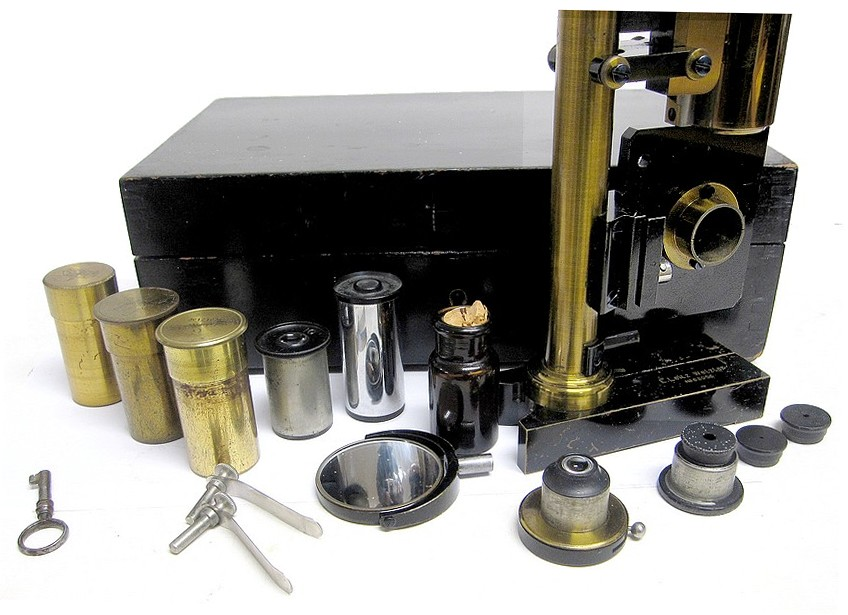E. Leitz, Wetzlar; serial # 63056. Small Travelling Microscope, c. 1902