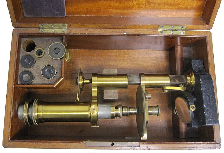 R. Fuess Berlin #131. The Rosenbusch model in storage case
