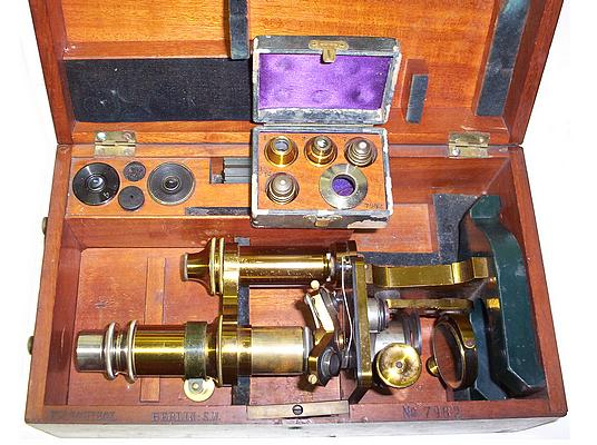 F.W. Schieck Berlin S.W. No. 7982. Monocular microscope. c.1884 in case