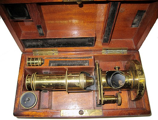 Schiek in Berlin, No. 137. Small drum microscope. c. 1842. In case