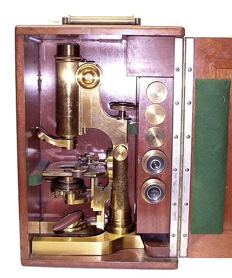 L. Schrauer, Maker, New York. Prize Microscope Awarded to Frank Caudkins Bunn, M.D., 1889. Microscope in the case.