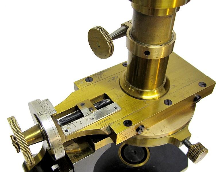 ociété Genevoise pour la Construction d'Instruments de Physique, Geneve. Metrological microscope(measuring microscope), c. 1900. Frauenhofer micrometer