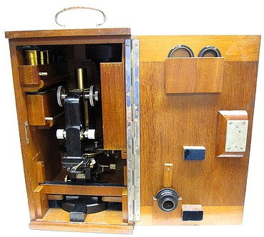 Carl Zeiss, Jena No. 32540. Stand 1c for Photomicrography and Projection. Berger's New Model with Jug Handle. stored in the cae