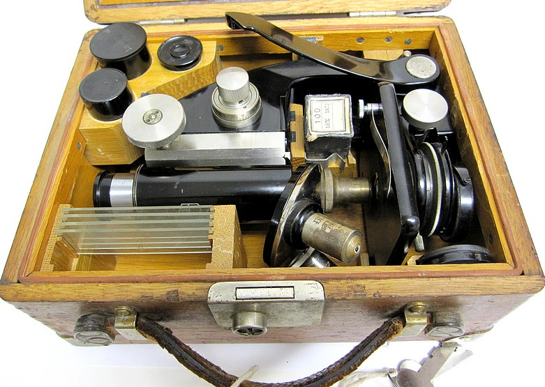 Carl zeiss jena no travelling portable microscope c