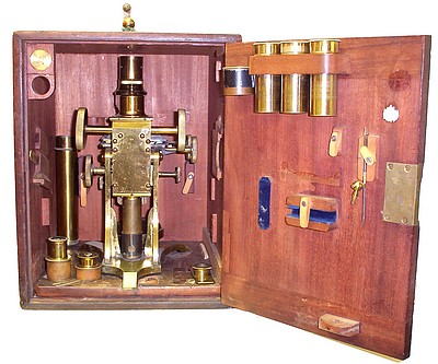 J. Davis, Derby, c. 1860 . Microscope in the wood case