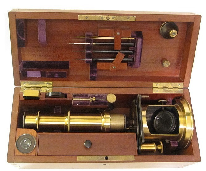 French Drum Microscope with stage fine focus, c. 1850. Stored in the case