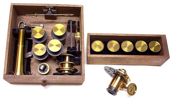 J. & W. Grunow, New York #499 - Binocular microscope accessories
