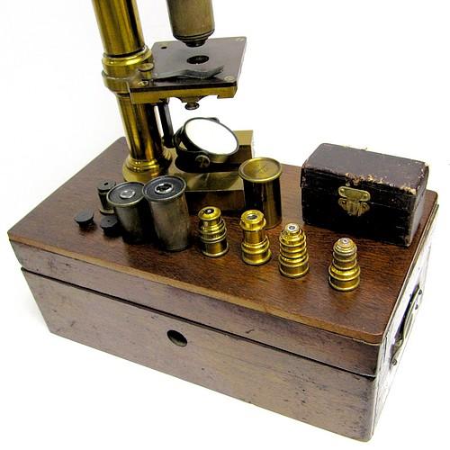 E. Leitz Wetzlar, No. 2860. Middle ModelMicroscope IIIa, c. 1878