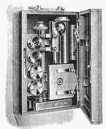 Leitz Travelling Microscope