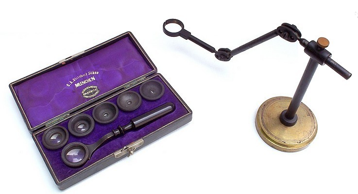 C.A. Steinheil Sohne, Muenchen. Set of aplanatic loupes with handle and loupe stand