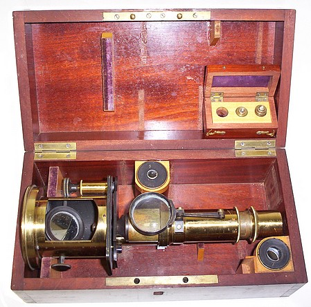 Nachet Opticien, rue des Grands Augustins, Paris. Drum microscope