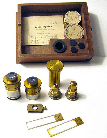 Seibert in Wetzlar No. 8984. Petrological (Polarizing) Microscope, c. 1898. Accessories