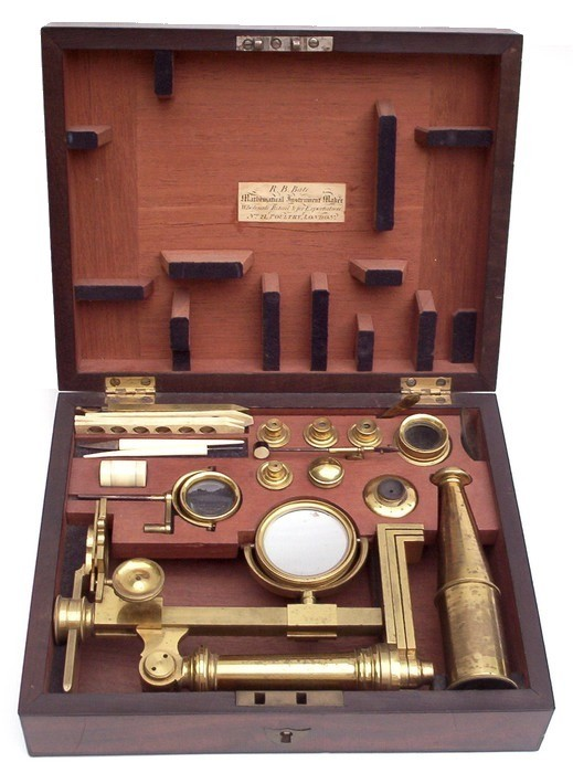 Bate London, Small Jones Most Improved Type Microscope. In case.