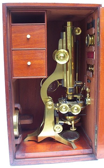 Watson & Son 313 High Holborn London #912. The Jackson Model No.2, c. 1880. In the case