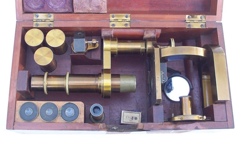 microscope: Carl Zeiss Jena 1351 / 2259 packed in its case.